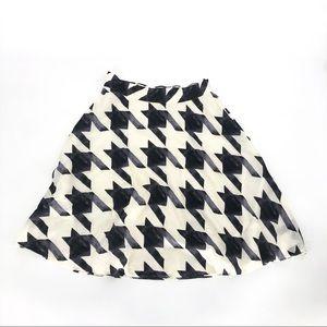 Liz Claiborne macro houndstooth print silk skirt 8